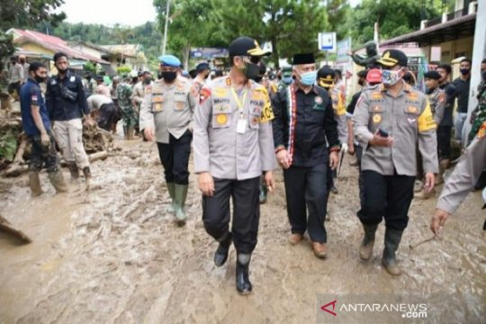 Kapolda Aceh ajak masyarakat jaga alam saat kunjungi lokasi banjir