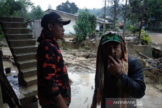 Jaringan seluler lelet hambat penanganan bencana di Gayo