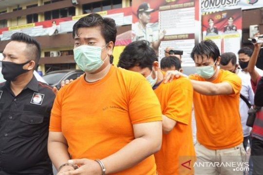Polisi tangkap ketua geng motor Ezto penyerang perumahan guru di Medan
