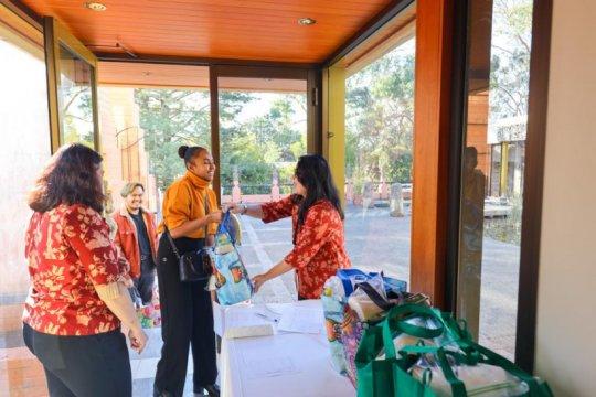 KBRI Canberra kembali bagikan sembako untuk WNI di Australia