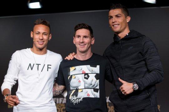 Mantan timnas Brasil ini klaim lebih baik dari Neymar, Messi dan CR7