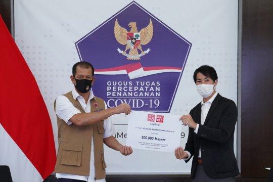 Uniqlo donasikan 500 ribu masker untuk tenaga medis