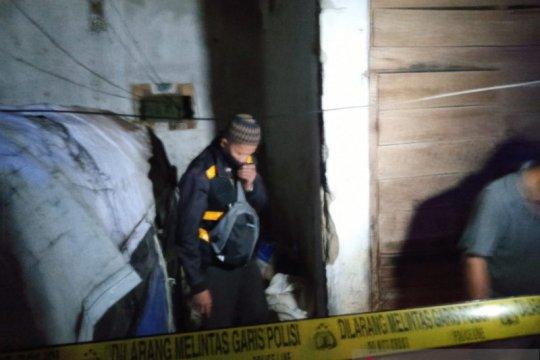 Polres Sukabumi memburu pelaku pembakar wanita di Pasar Tipar