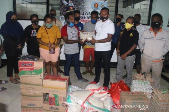 Anggota DPR kunjungi asrama Papua bangkitkan motivasi di masa pandemi