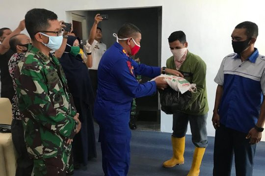 Ditpolairud salurkan bantuan COVID-19 kepada pekerja bandara