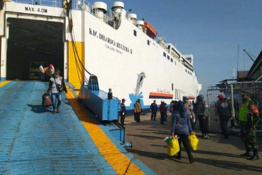 Ikuti protokol, 181 TKI dari Malaysia tiba di Pelabuhan Semarang
