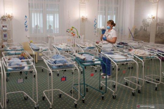 Bersalin saat terinfeksi corona, perawat Brazil akhirnya temui bayinya