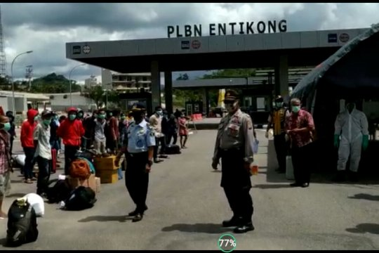 Kepolisian kawal deportasi 121 pekerja migran ke Dinsos Kalbar