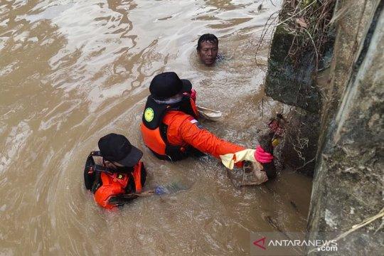 Tim SAR temukan dua anak hanyut di Irigasi Sumbersari Metro