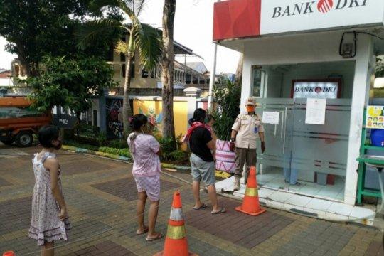 Pengambilan dana KJP Plus-KJMU di ATM Bank DKI harus hindari kerumunan