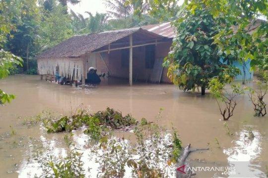 Banjir landa tiga kecamatan di Kabupaten Langkat