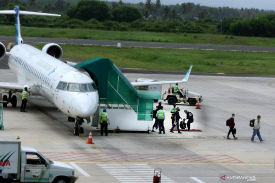 Bupati sambut baik beroperasinya kembali penerbangan ke Banyuwangi