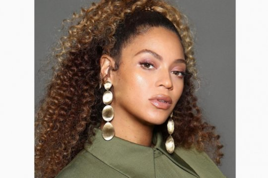 Gaun Beyonce, Jlo sampai Julia Roberts akan dilelang untuk amal
