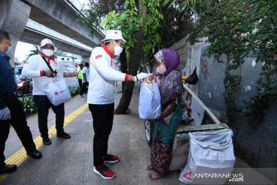 "Relawan Indonesia Bersatu gaet GKC Jokowi bantu ""manusia gerobak"""