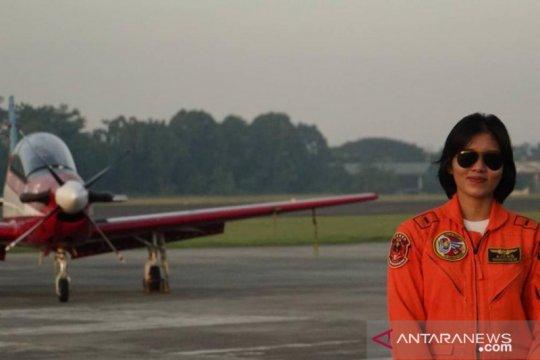 Letda Pnb Ajeng dinobatkan penerbang tempur perempuan pertama TNI-AU