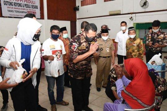 Ketua MPR beri bantuan kepada keluarga TNI-Polri