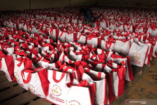 Paket sembako bantuan Presiden diprioritaskan bagi mahasiswa