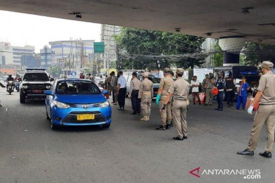 Pelanggar PSBB di Jatinegara tolak sanksi sosial karena gengsi