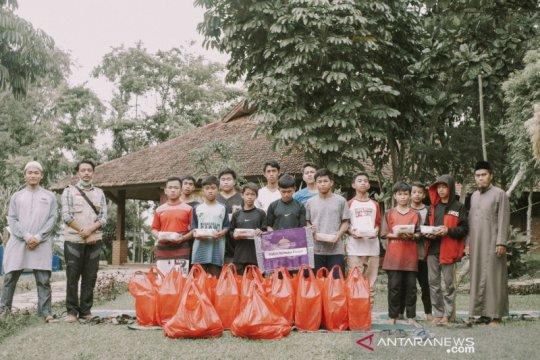 Baitulmaal Muamalat bagikan 2000 paket buka puasa masyarakat miskin