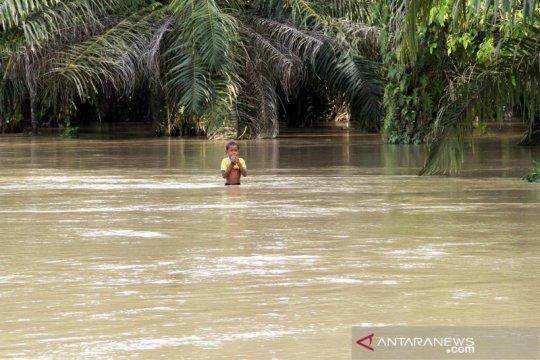 Banjir akibat luapan sungai di Aceh Utara