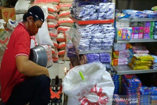 Kemarin, inflasi turun tajam hingga Indonesia tujuan investasi