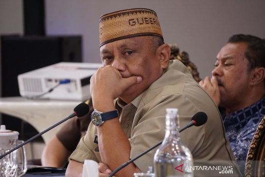 Gubernur Gorontalo tak gelar halalbihalal, Shalat Id di rumah saja