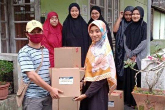 Kagama Aceh salurkan paket sembako untuk mahasiswa Aceh  di Yogyakarta