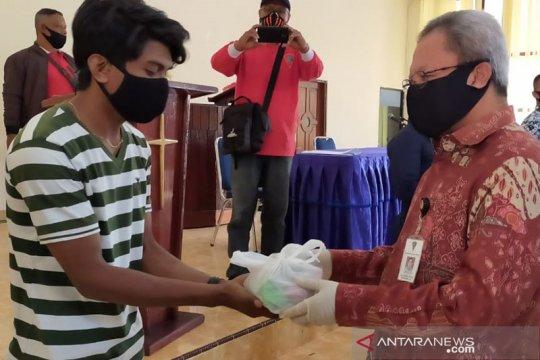 Ratusan musisi-guru PAUD di Ambon dapat bantuan sembako
