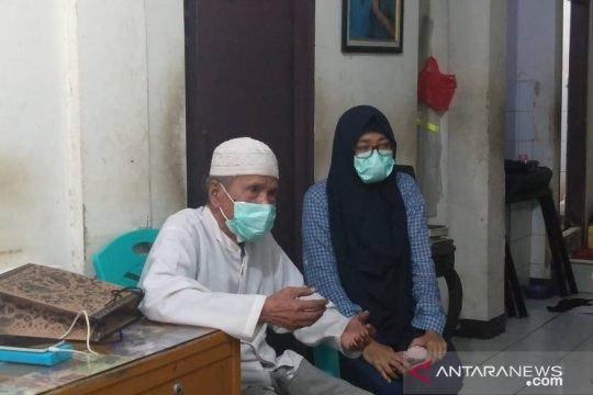 Keluarga pasien positif COVID-19 di Tambora bantah dijemput paksa