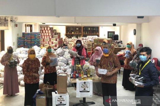 KBRI Kairo salurkan bantuan tunai dan bahan pokok kepada WNI di Mesir