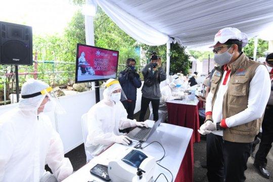 Relawan Indonesia Bersatu gelar rapid test dan PCR COVID-19 massal