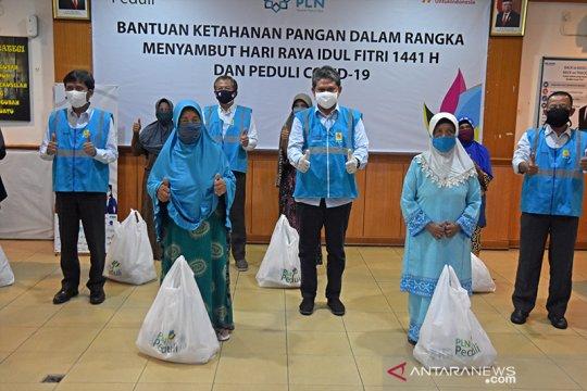 PLN salurkan 2.437 sembako untuk warga Riau-Kepri terdampak pandemi