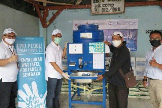 LPEI-SMV Kemenkeu berikan paket sembako kepada warga Muara Angke
