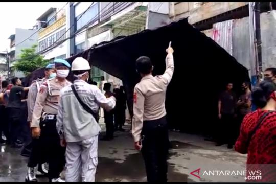 Polrestro Jakbar dirikan tenda sementara tampung pengungsi Gang Venus
