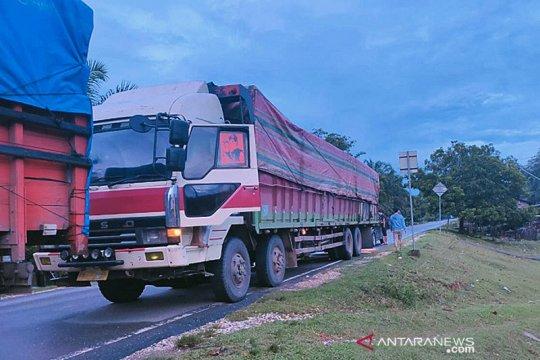 Ditreskrimsus Polda Jambi amankan dua truk bermuatan kayu ilegal