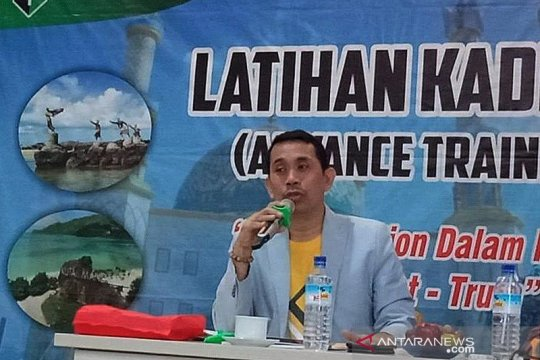 Kamrussamad minta gubernur Anies selesaikan persoalan di Jakarta