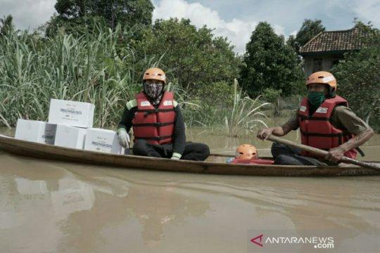 ACT Sumsel salurkan 500 paket sembako ke korban banjir OKU Timur