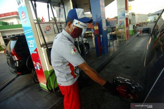 Pengamat: Harga minyak global anjlok, BBM dalam negeri harus turun