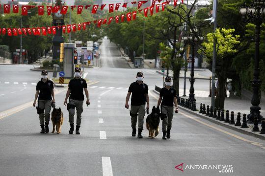 Turki berlakukan jam malam dan karantina wilayah saat Idul Fitri