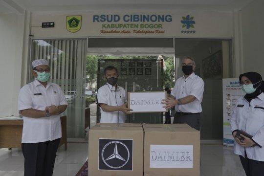 Mercedes Benz dan Daimler sumbang masker kesehatan ke RSUD Cibinong