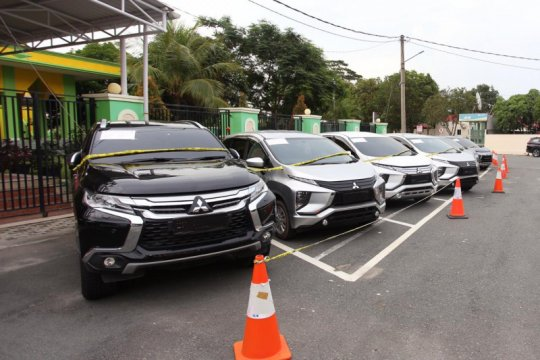 Polda Kepri tangkap oknum polisi pelaku penggelapan 83 mobil