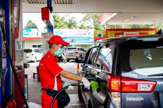 Ekonom UI sebut tepat kebijakan harga BBM tidak diturunkan