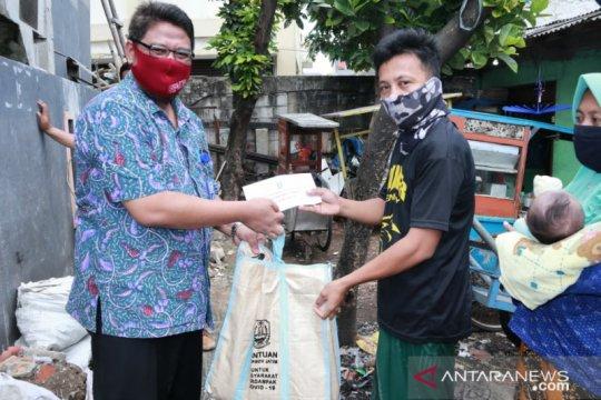 Warga Jatim di Jabodetabek dapat bantuan sembako dari Pemprov Jatim