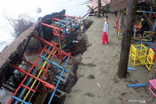 Abrasi Pantai Suak Ribe