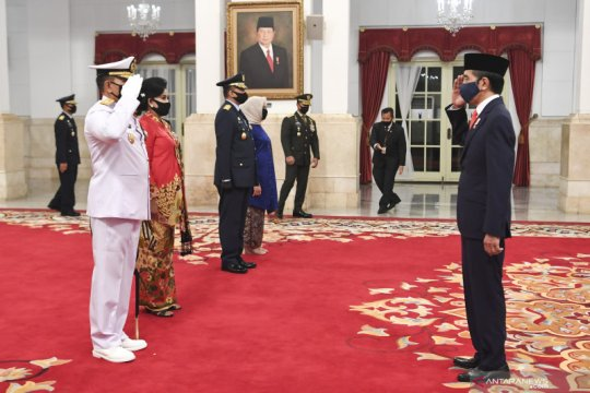 Kasal Yudo Margono tegaskan TNI AL tetap berpatroli saat pandemi