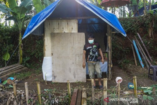 Kisah Wiranto jalani isolasi mandiri di sebuah gubuk