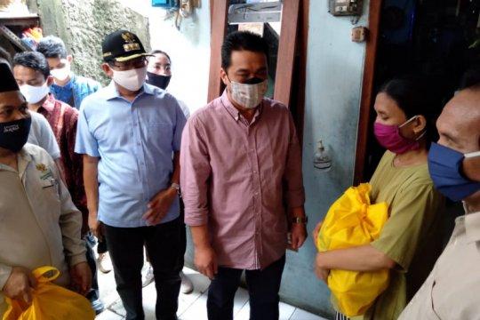 Wagub DKI salurkan bantuan sosial KSBB di Ragunan