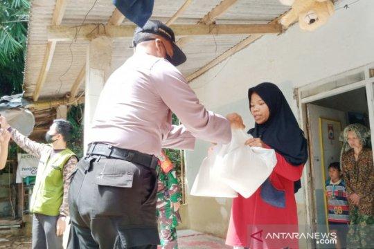 Mengaku tak dapat bansos, warga Cijeruk Bogor didatangi polisi