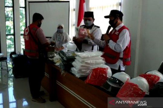 PMI Kota Sukabumi salurkan APD untuk tenaga kesehatan