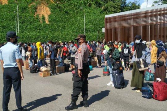 Imigrasi Semuja Malaysia kembali deportasi 142 PMI